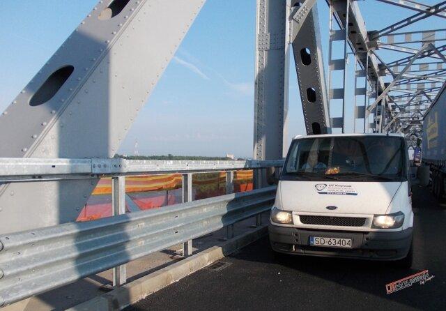 Auto UT Knysiak na Moście Przyjaźni